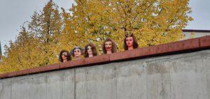 Die Kosmetikklasse der AKS hat fünf MakeUps, passend zum Herbst und Halloween, gestaltet.